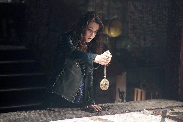 Lucy Griffiths as Liv in the Constantine pilot episode before being replaced by Angélica Celaya.